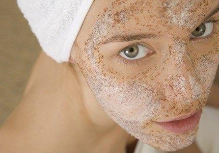 Gomajul cu scorțișoară îndepărtează toate impuritățile de pe față. Cum îl prepari?