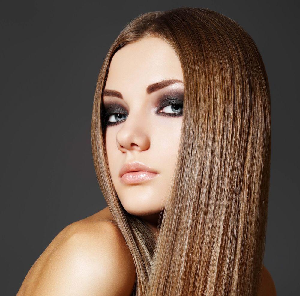 Visezi la un păr perfect drept și irezistibil? Iată cum îl obții în 4 pași simpli!