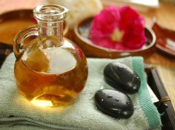 Beneficiile uleiului de jojoba. Scapi de riduri și de acnee dacă îl folosești