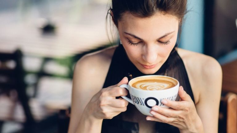Alimente minune care te ajută să arzi caloriile! Pune-le în cafea și vei slăbi văzând cu ochii!
