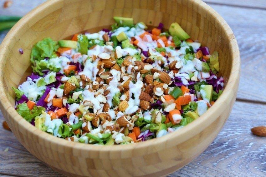 Salată detox realizată de Carmen Negoiță