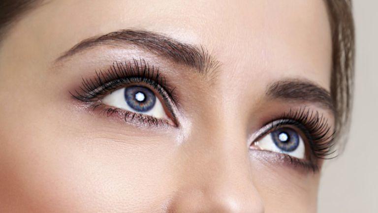 Bolile de ochi la care sunt predispuse femeile și cauzele lor
