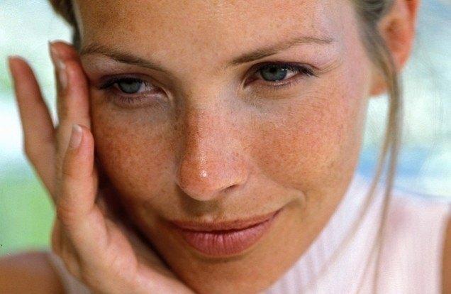 Știai că în fiecare zi 168 de produse toxice îți ating pielea?