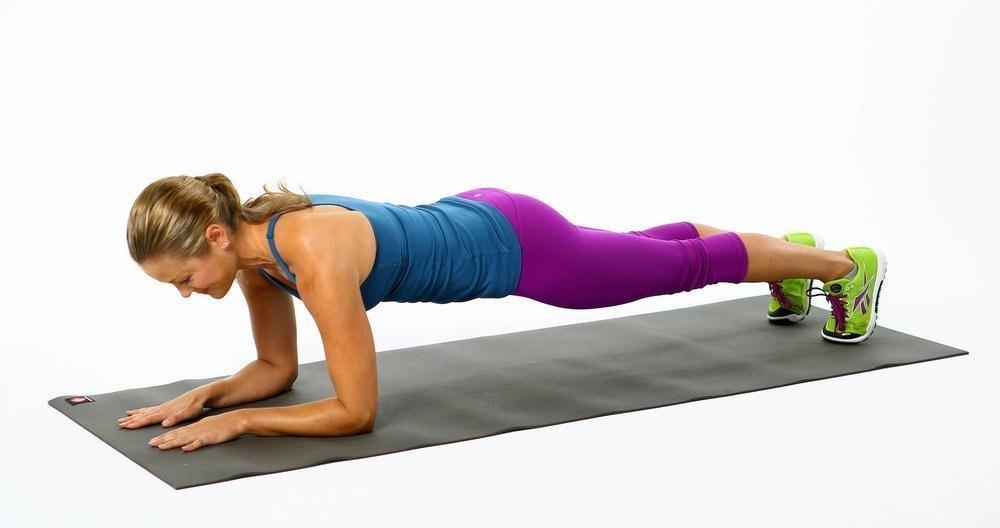 Exercițiul plank îți transformă întregul corp. Iată 7 beneficii