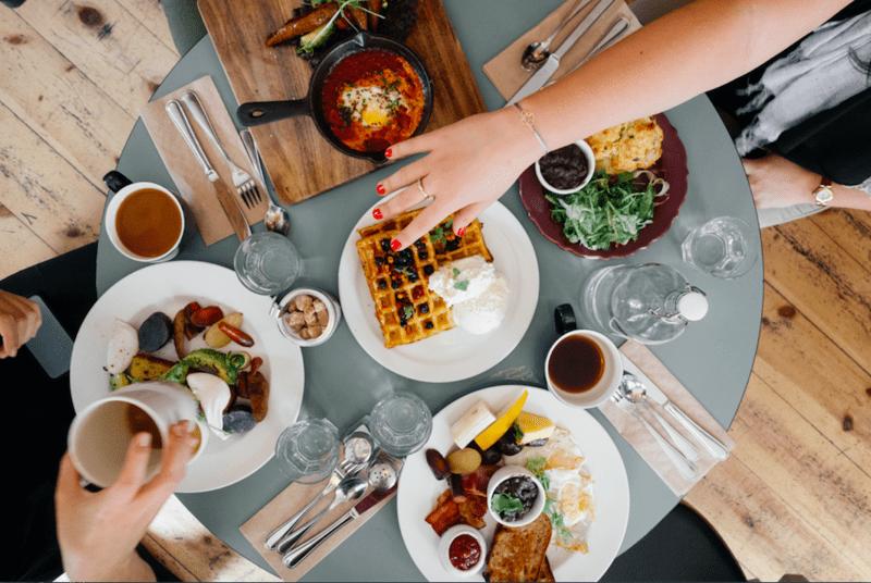 Mâncarea nesănătoasă duce la deces. Ultimul studiu despre alimentele care provoacă moartea