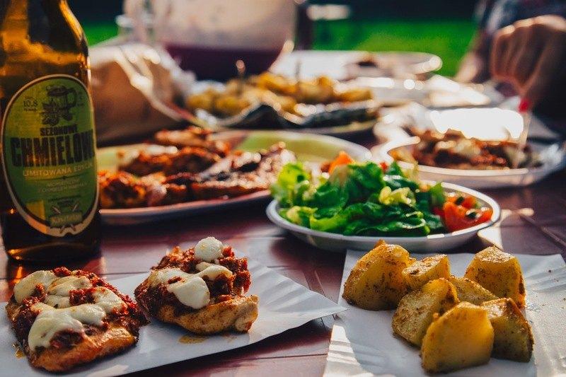 Piramida stilului de viață: cele mai nocive și cele mai sănătoase alimente pe care le consumăm?